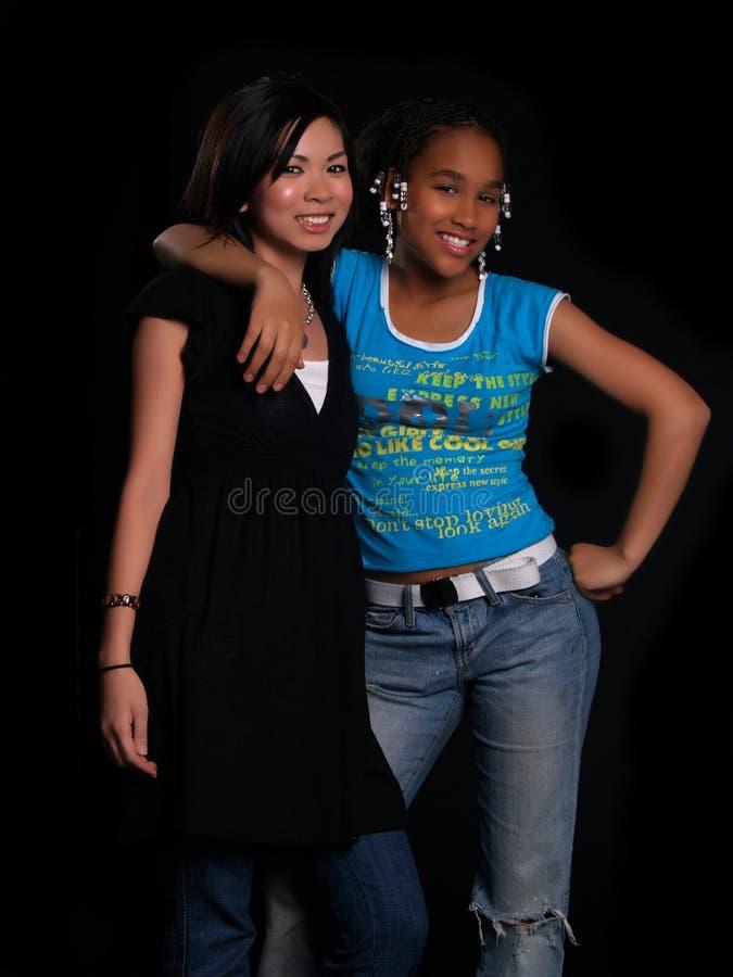 2 muchachas hermosas imagen de archivo libre de regalías