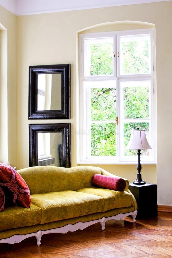 2 rustiques intérieurs image stock