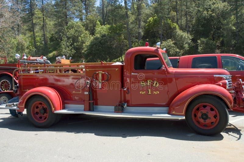 2 stara ciężarówka przeciwpożarowa obrazy royalty free