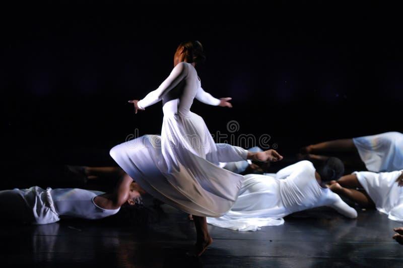 2 tańczącego nowoczesne wykonanie obraz royalty free