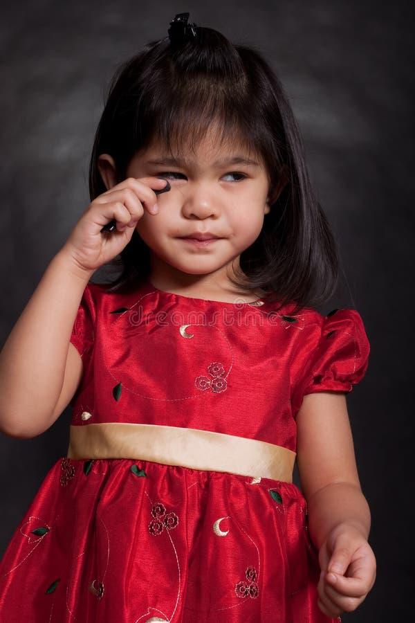 2 uroczych ślicznych dziewczyny starych berbecia rok fotografia royalty free