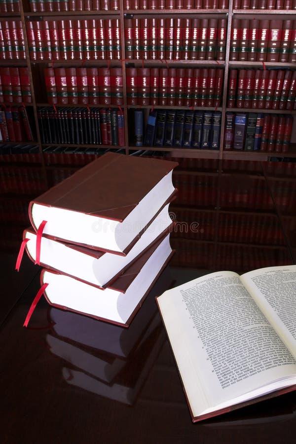 20 prawnych książek zdjęcia stock