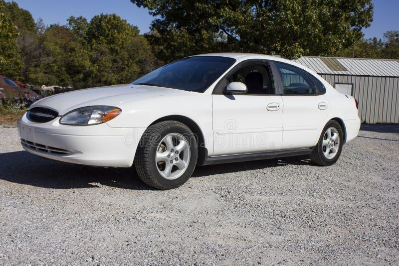 2007 ευκίνητα καύσιμα φορείων της Ford Taurus με τέσσερις πόρτες στοκ εικόνες