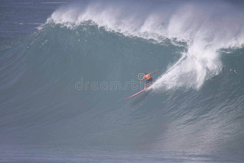 Download 2009 Quicksilver Eddie Aikau Big Wave Event Editorial Photo - Image of athlete, male: 12209706