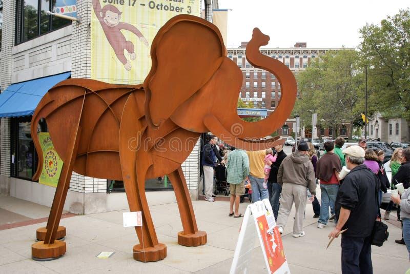 2010年艺术大象得奖走 库存照片