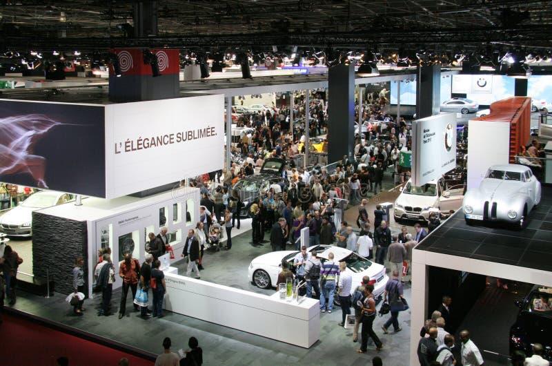 2010 визитеров выставки paris мотора стоковые фото