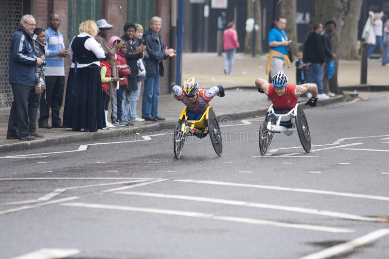 2010 atlet elita London maratonu wózek inwalidzki obrazy royalty free