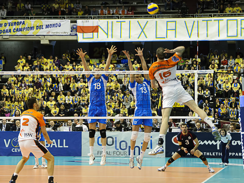 2010 cztery 2011 cev mistrzów finału ligowych salw obrazy stock