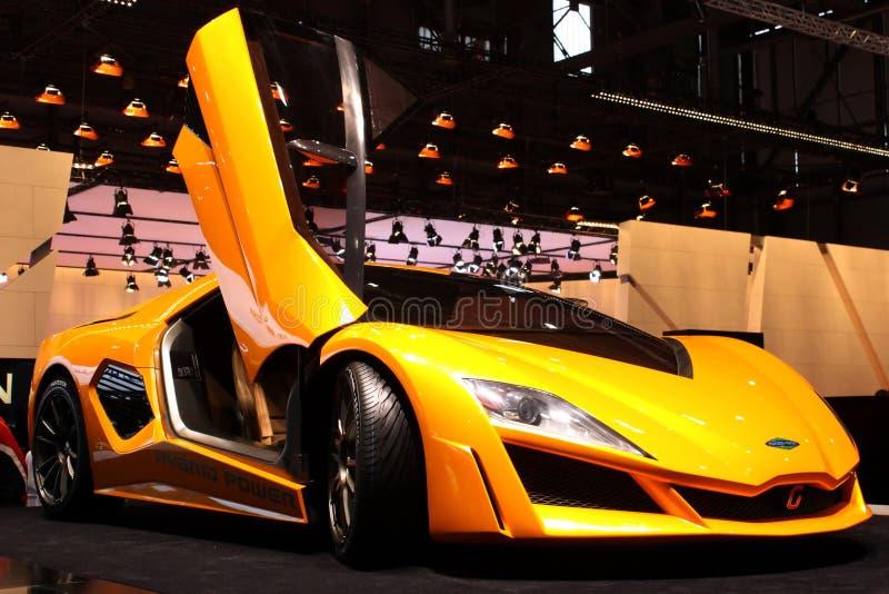 Download 2010 Frazer Geneva Motorowy Nash Przedstawienie Zdjęcie Stock Editorial - Obraz złożonej z elegancki, eventide: 13336233