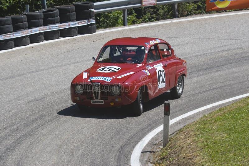 2011年bondone saab轿车trento v4 库存照片