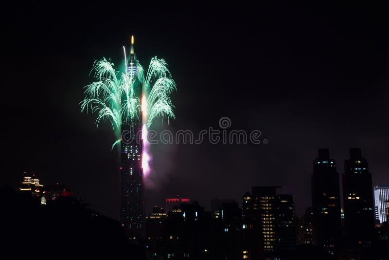 2011 100 Râ¥C Taipeh 101 Vuurwerk stock foto's