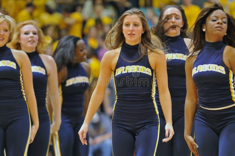 2012年篮球啦啦队员舞蹈演员人ncaa s 免版税库存照片