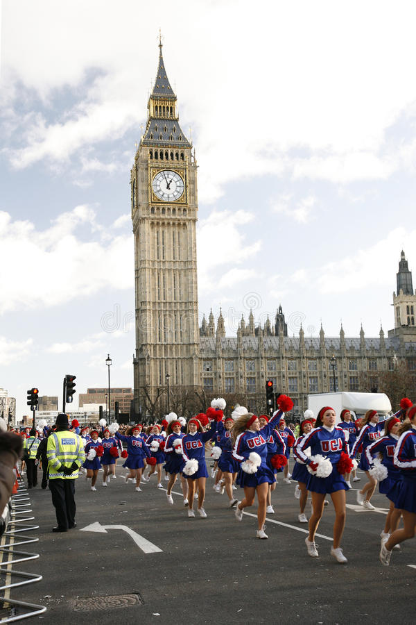 2013, парад дня Новый Год Лондона Редакционное Стоковое Фото