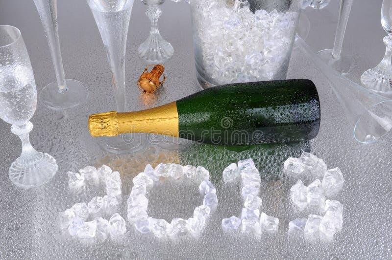 2013 no gelo com Champagne fotos de stock