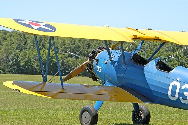 双翼飞机军人 免版税图库摄影
