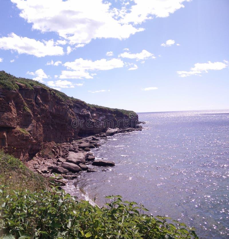 215 - Parc de l' national ; Île-Bonaventure-et-du-Rocher-Percé : Sentier Chemin-du-Roy image libre de droits