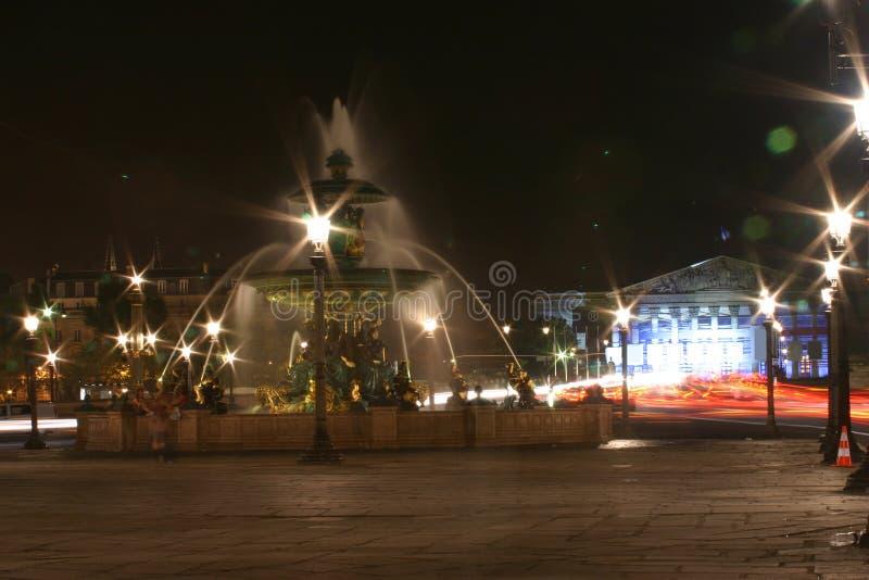 喷泉晚上 图库摄影