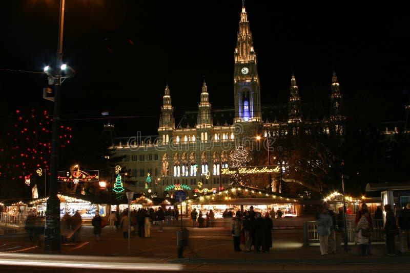 圣诞节大厅夜间城镇维也纳 免版税库存图片