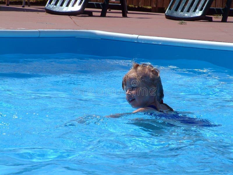 夏天游泳 免版税库存图片