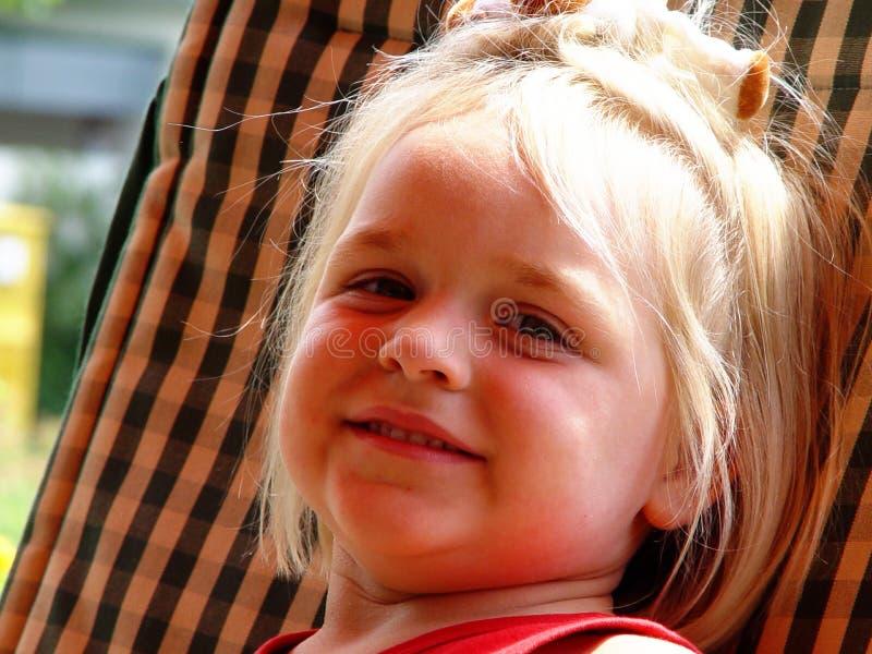 女孩微笑 免版税库存图片