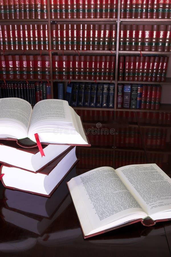 23 prawnych książek fotografia stock