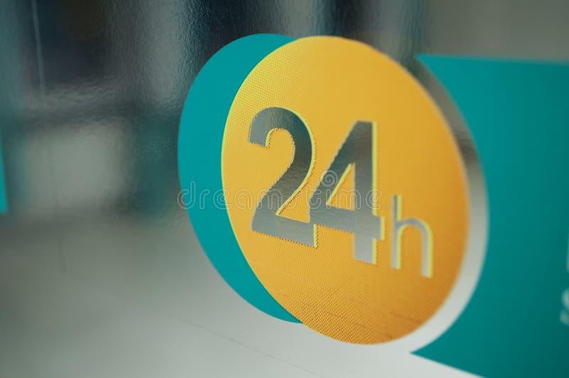 24 godzina obrazy stock