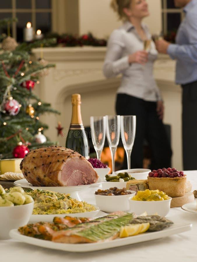 26. Dezember-Buffet-Mittagessen-Weihnachtsbaum stockfoto