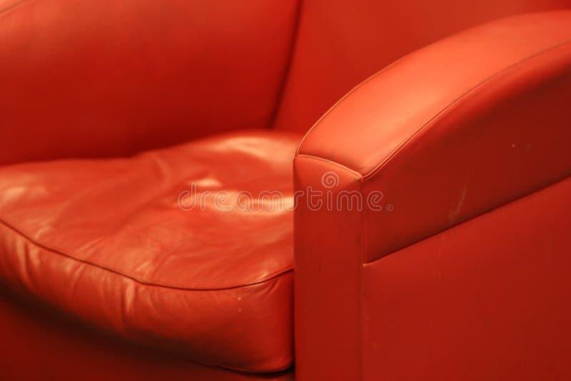 椅子方便的皮革红色 免版税库存图片