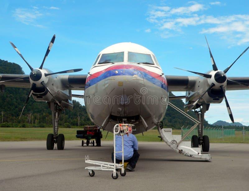 2of2航空器设计检验马来西亚技工 库存图片