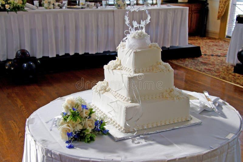3个蛋糕婚礼 库存图片