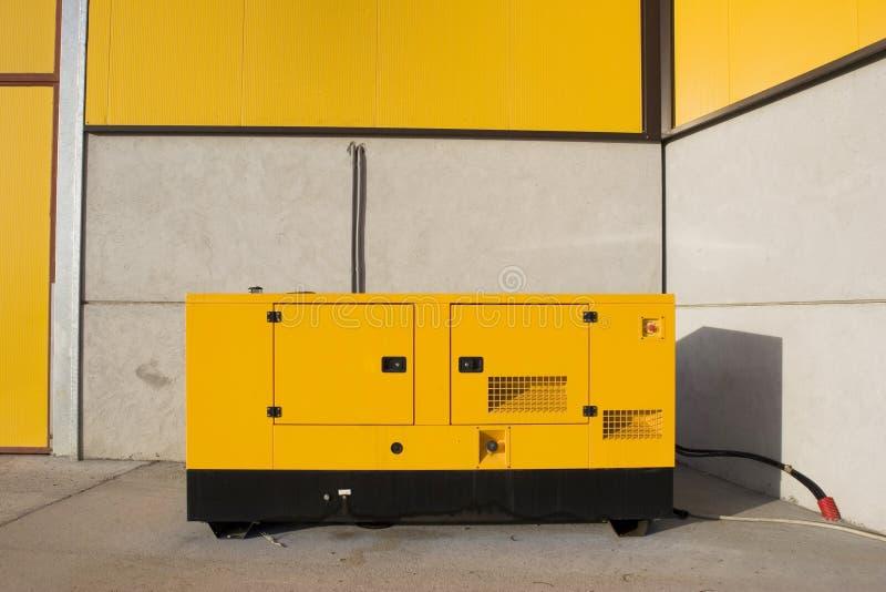3台生成器黄色 库存照片
