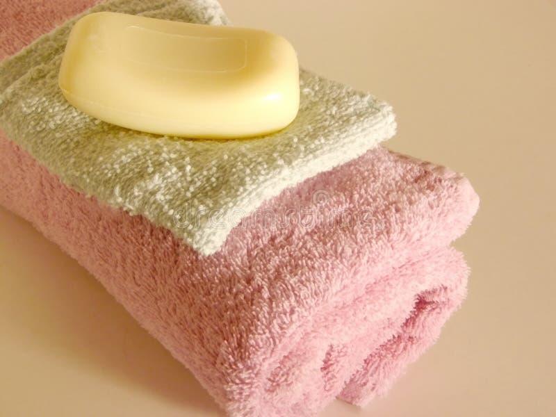 Download 3浴时间 库存图片. 图片 包括有 洗气器, 洗涤, 布料, 织品, 洗刷, 烤肉, 肥皂, 健康, 有臭味, 干净 - 56597