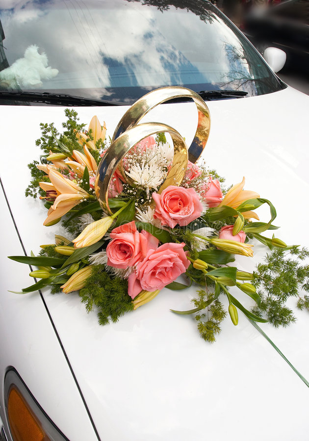 3辆汽车婚礼 库存图片