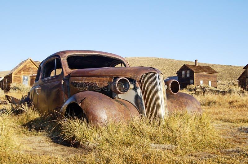 3 παλαιός σκουριασμένος coupe στοκ εικόνα