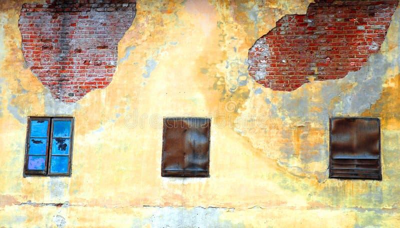 3 окна стоковые изображения rf