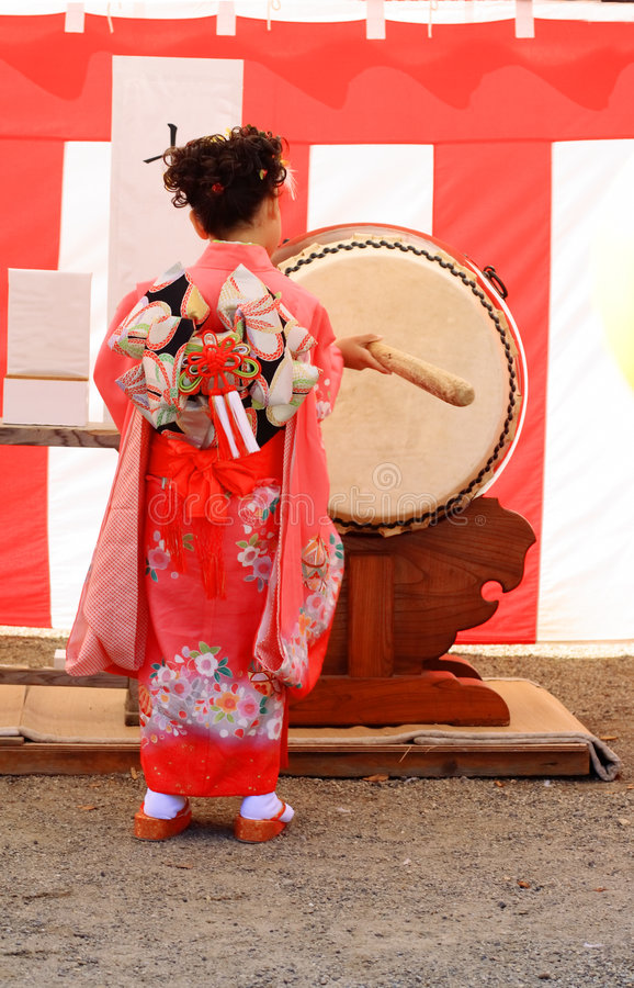 3 5 7 drum go san shichi sin royaltyfria bilder