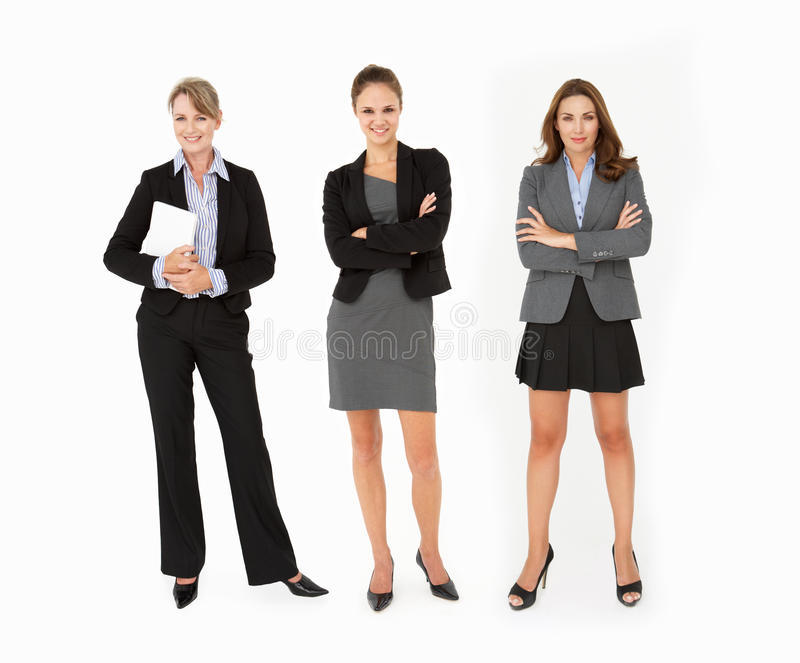 3 affärskvinnor som plattforer i studio royaltyfri fotografi