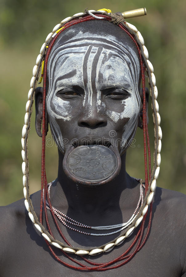3 afrikanska mursifolk royaltyfri bild