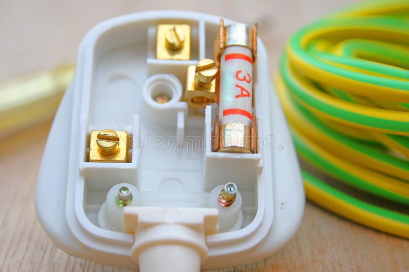 Download 3 Amp Fuse And Plug Royalty Free Stock Images - Image: 12274039