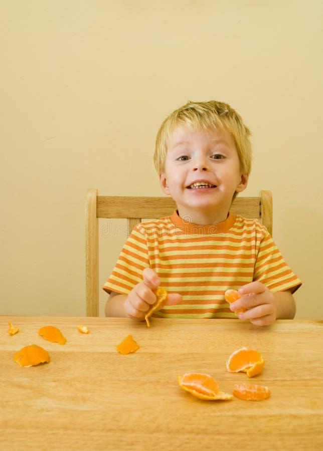 Download 3 Anni Di Cibo Del Ragazzo. Fotografia Stock - Immagine di toddler, tabella: 7313956