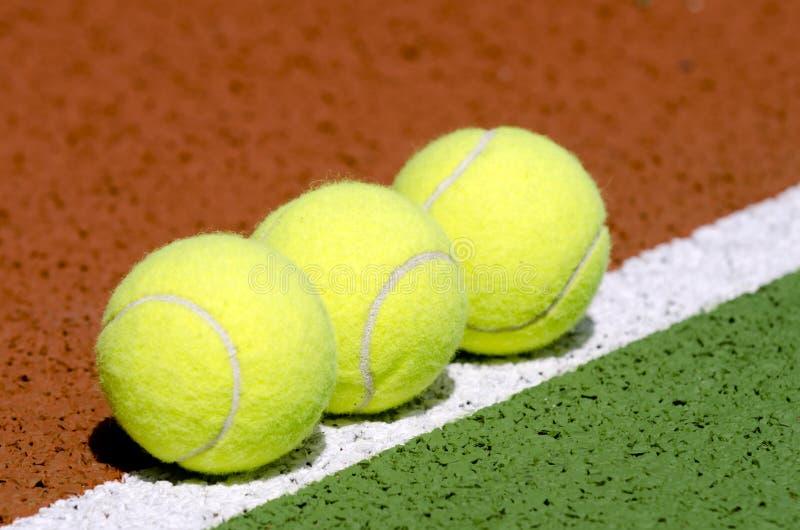3 billes de tennis images libres de droits