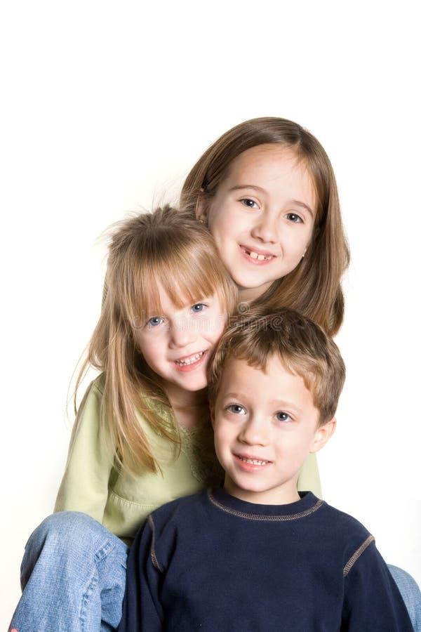3 enfants de mêmes parents photos libres de droits