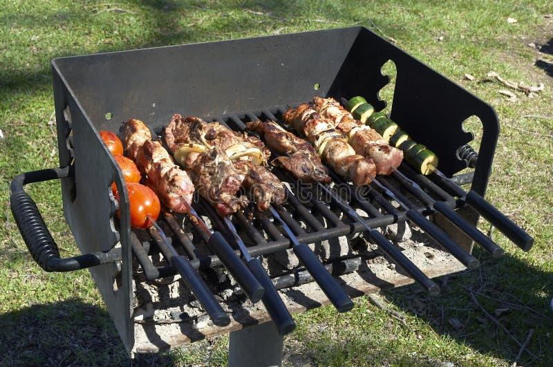 Download 3 grilla na obiad zdjęcie stock. Obraz złożonej z podwórze - 144206