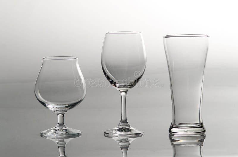 3 leere Gläser in der unterschiedlichen Art lizenzfreies stockfoto
