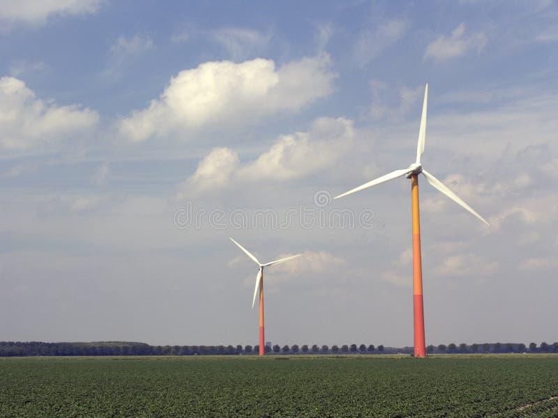 3 moderna windmills fotografering för bildbyråer