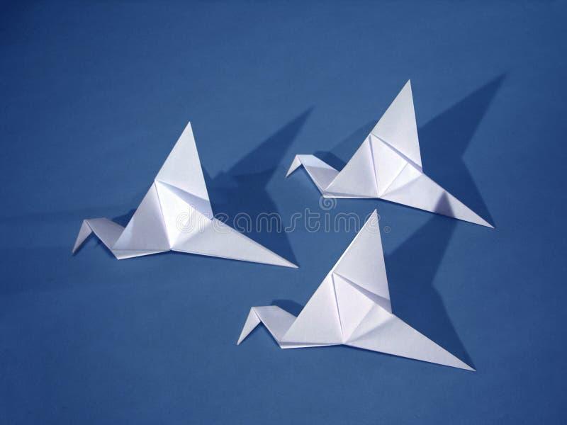 3 pájaros de papel fotos de archivo