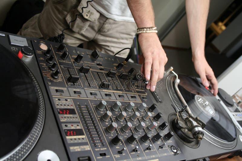 Download 3 Spining Turntables För Register Arkivfoto - Bild av deltagare, turntable: 989524