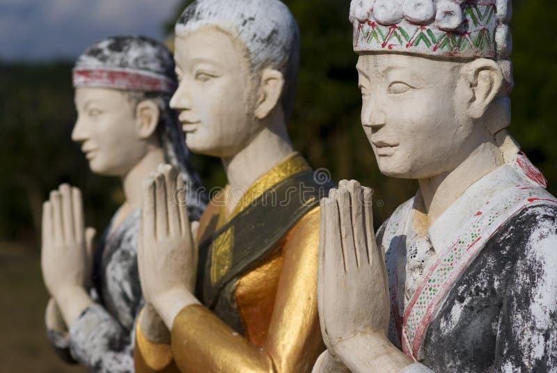3 statyer i luangnamthaen, laos fotografering för bildbyråer