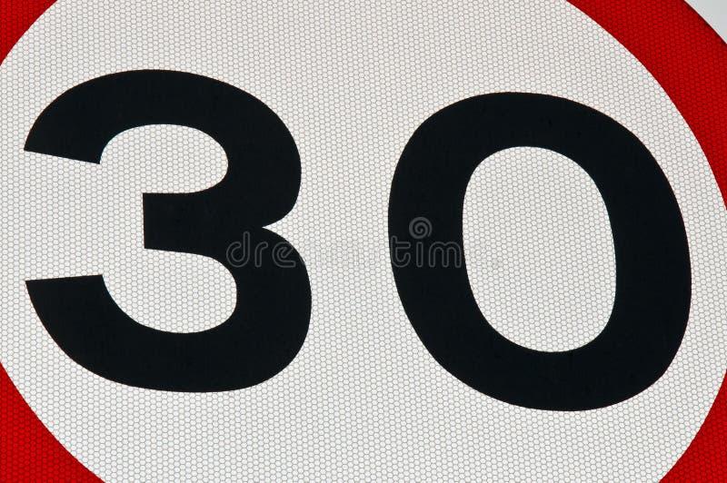 30 miglia all'ora di velocità del segno di limite immagini stock libere da diritti