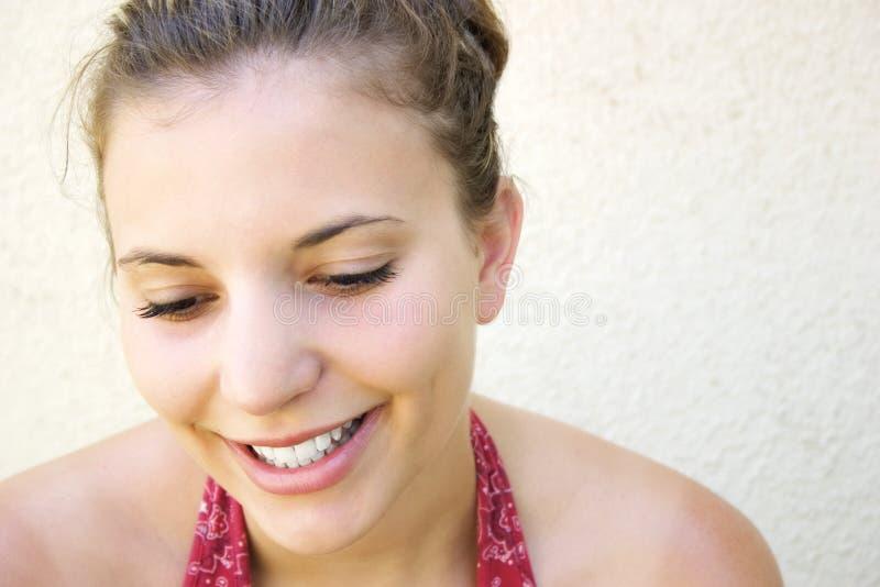 美丽的微笑的妇女 免版税库存图片